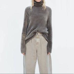 Zara•Faux Fur Fuzzy Sweater•Size S